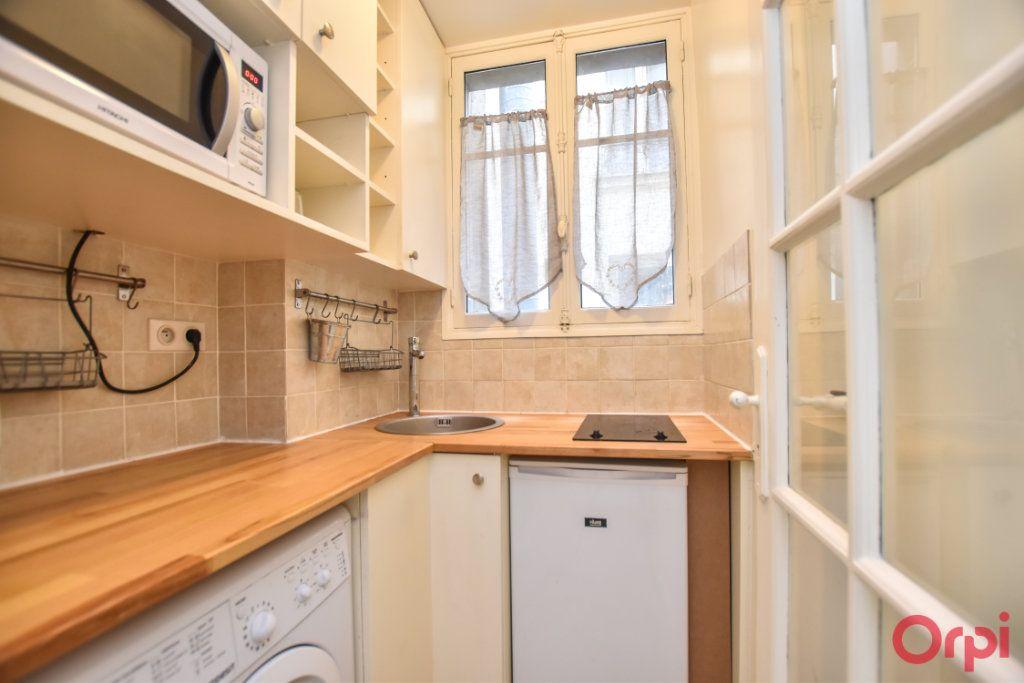 Appartement à louer 2 34m2 à Paris 15 vignette-2