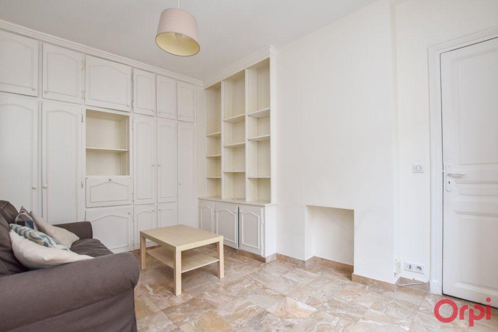 Appartement à louer 2 34m2 à Paris 15 vignette-6