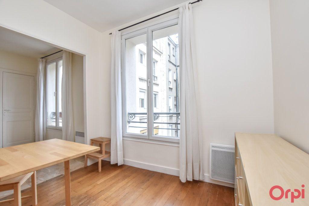 Appartement à louer 2 34m2 à Paris 15 vignette-9