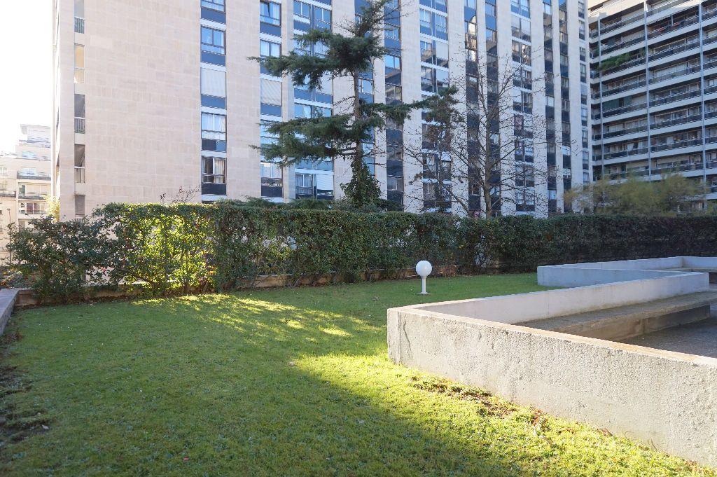 Appartement à louer 1 32.5m2 à Paris 15 vignette-7
