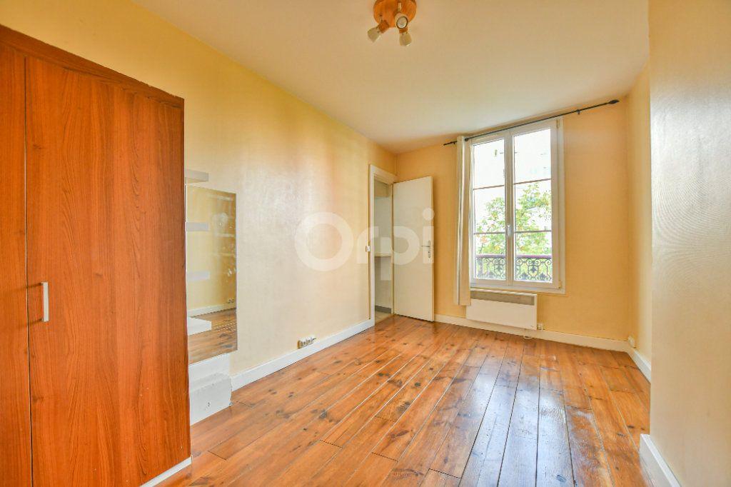 Appartement à louer 1 18m2 à Paris 15 vignette-1