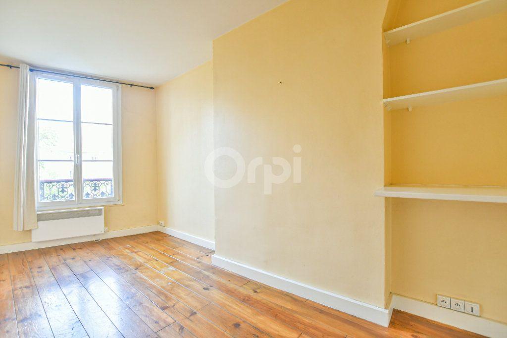 Appartement à louer 1 18m2 à Paris 15 vignette-2