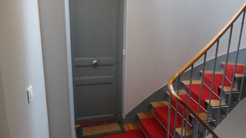 Appartement à louer 2 36m2 à Paris 15 vignette-8