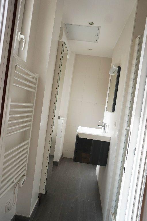 Appartement à louer 2 34m2 à Paris 15 vignette-3