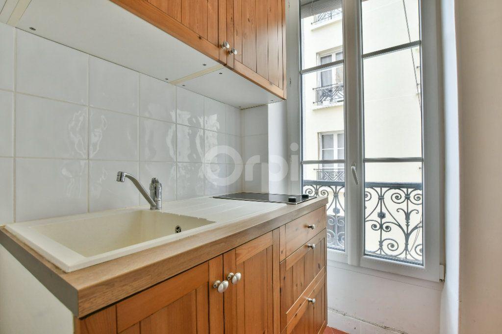 Appartement à louer 2 29m2 à Paris 15 vignette-2