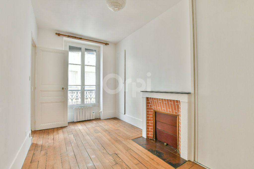Appartement à louer 2 29m2 à Paris 15 vignette-3