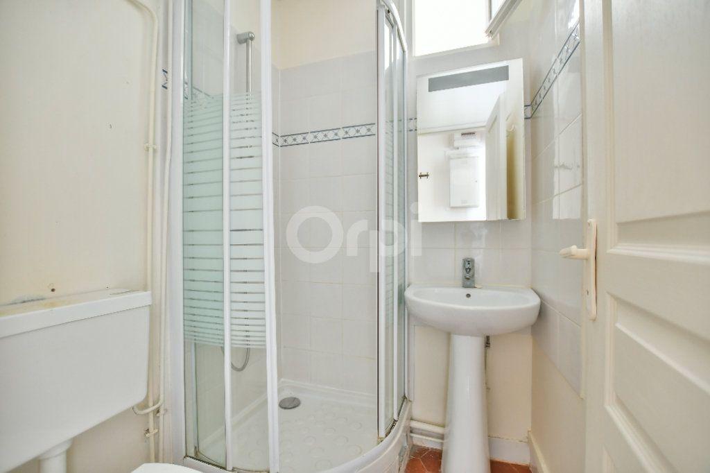Appartement à louer 2 29m2 à Paris 15 vignette-6