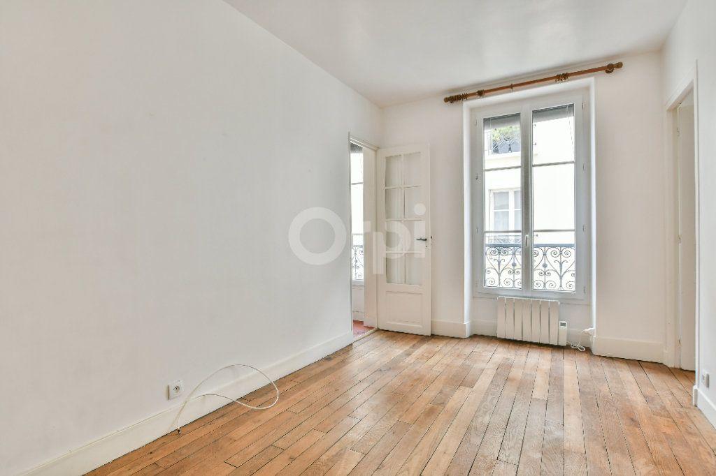 Appartement à louer 2 29m2 à Paris 15 vignette-10