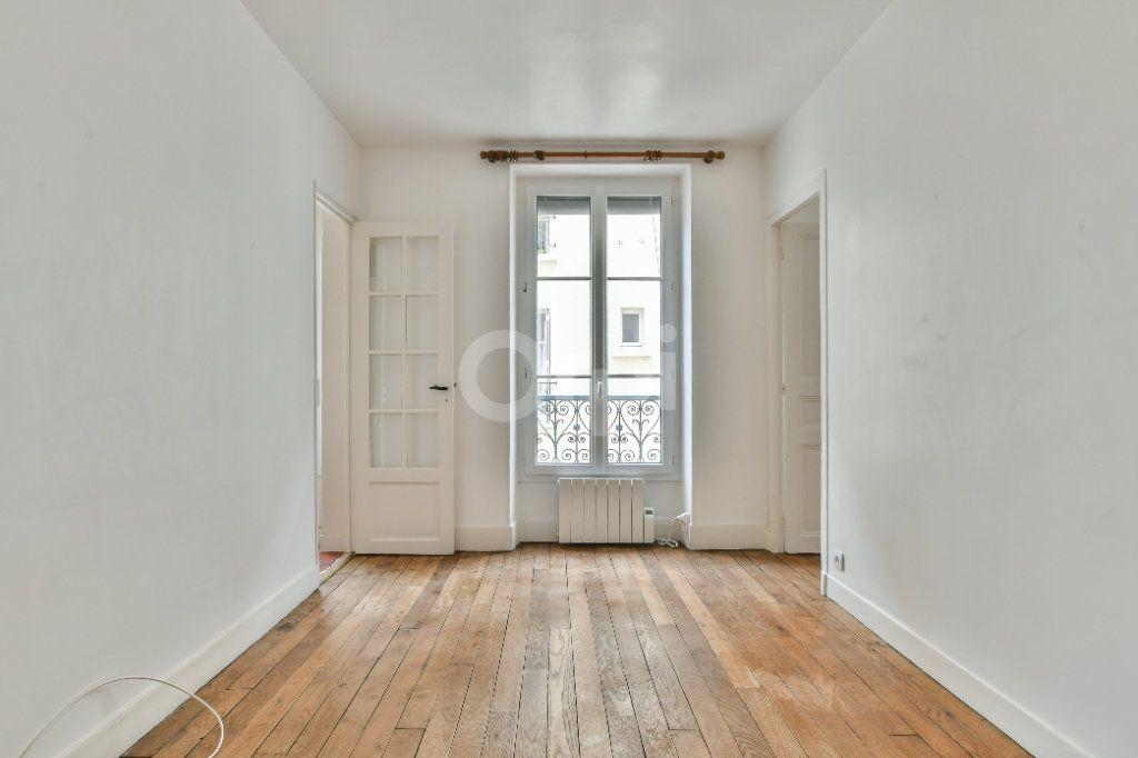 Appartement à louer 2 29m2 à Paris 15 vignette-12