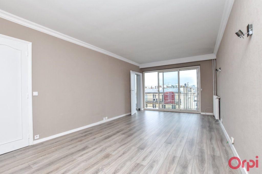 Appartement à louer 1 35m2 à Paris 15 vignette-3