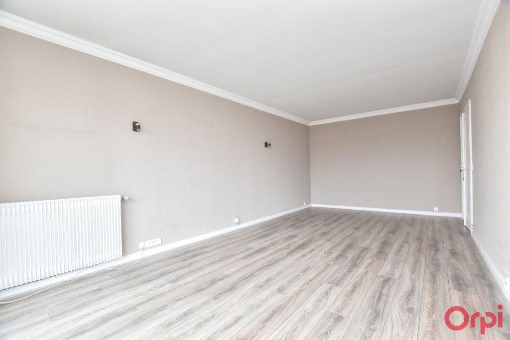 Appartement à louer 1 35m2 à Paris 15 vignette-7