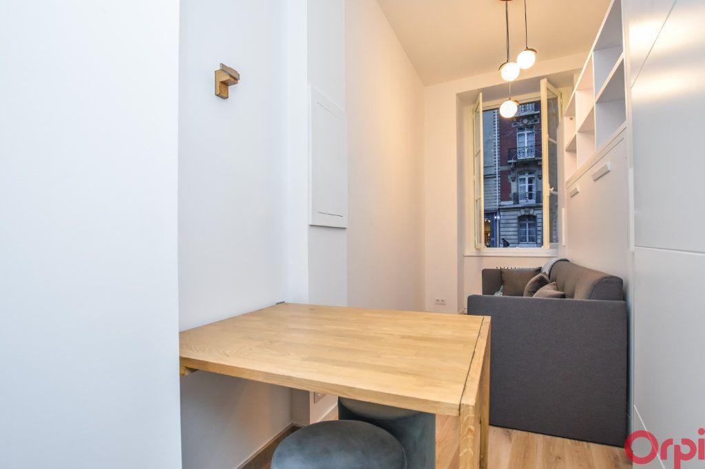 Appartement à louer 1 19m2 à Paris 7 vignette-8