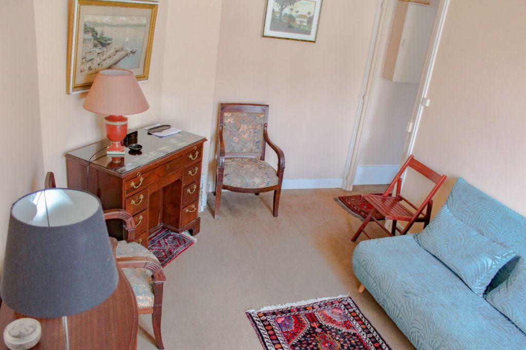Appartement à louer 2 30.25m2 à Paris 7 vignette-2