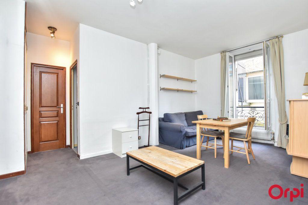 Appartement à louer 2 44.03m2 à Paris 15 vignette-1