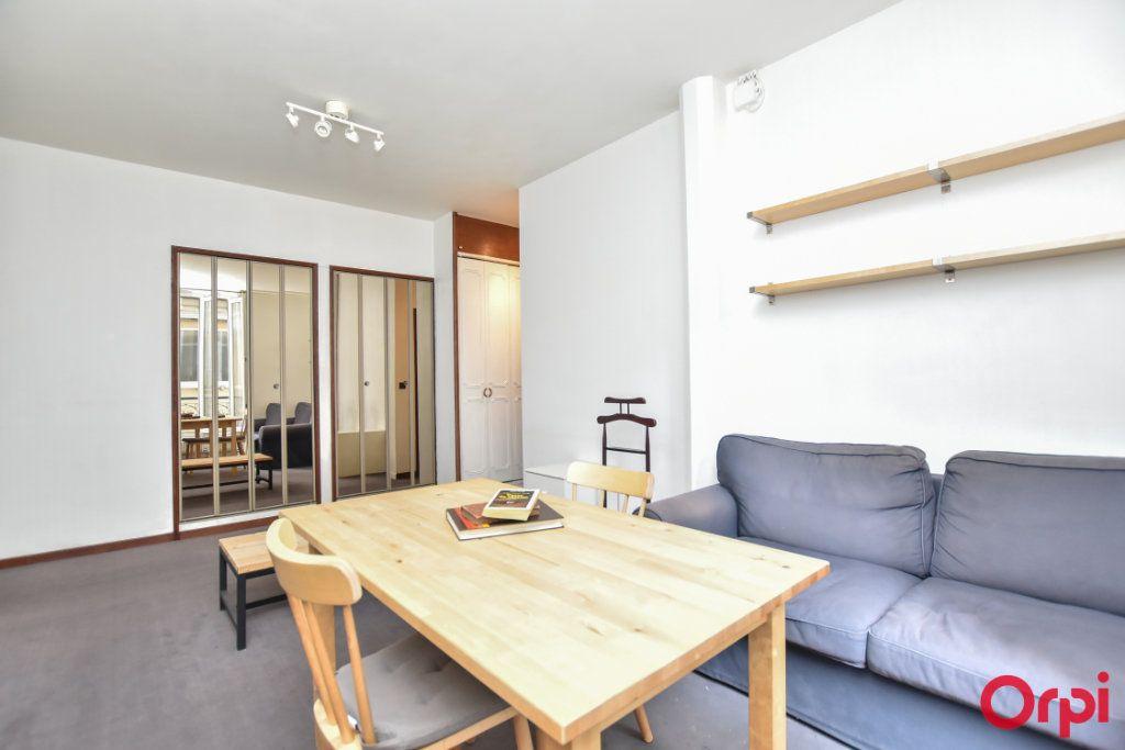 Appartement à louer 2 44.03m2 à Paris 15 vignette-4