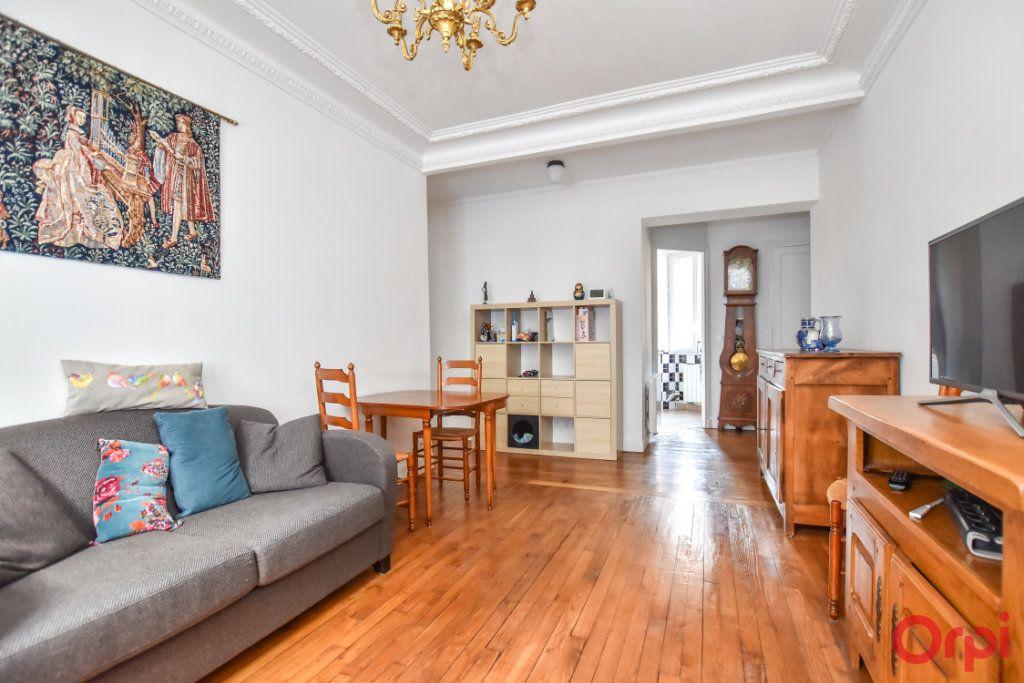 Appartement à vendre 2 48m2 à Paris 15 vignette-1