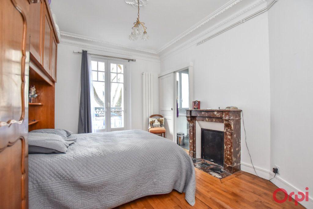 Appartement à vendre 2 48m2 à Paris 15 vignette-2