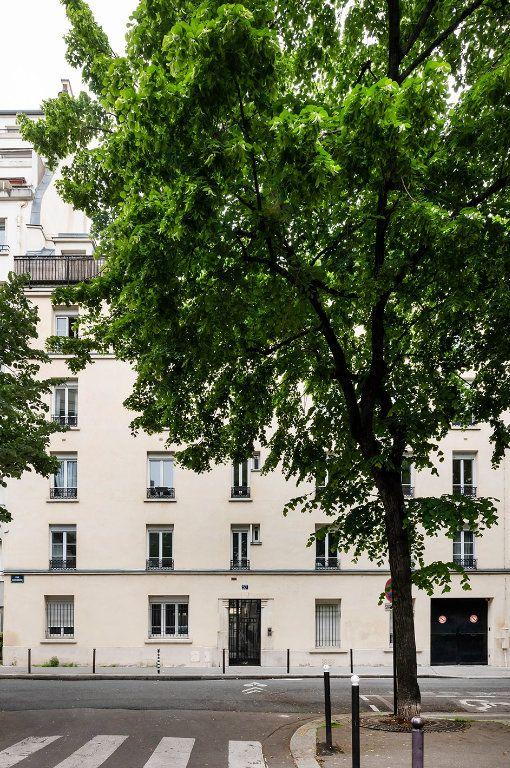 Appartement à louer 2 35m2 à Paris 15 vignette-10