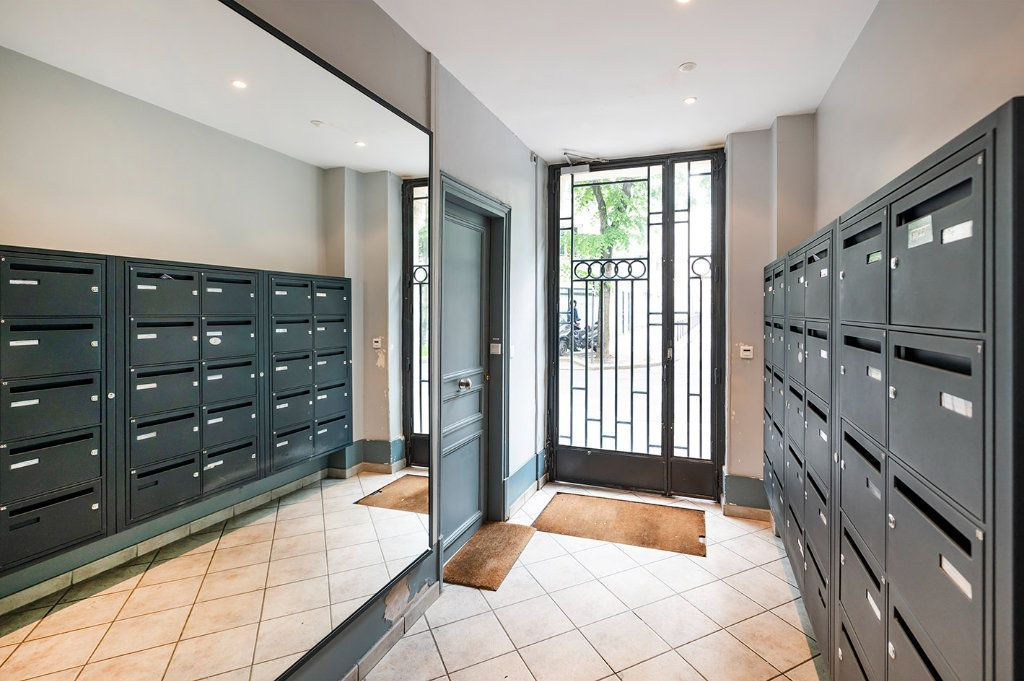 Appartement à louer 2 35m2 à Paris 15 vignette-11