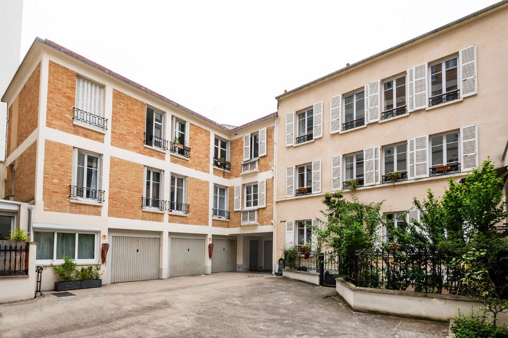 Appartement à louer 2 35m2 à Paris 15 vignette-12