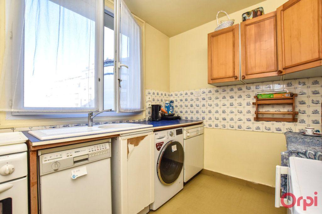 Appartement à vendre 4 79.25m2 à Paris 15 vignette-3
