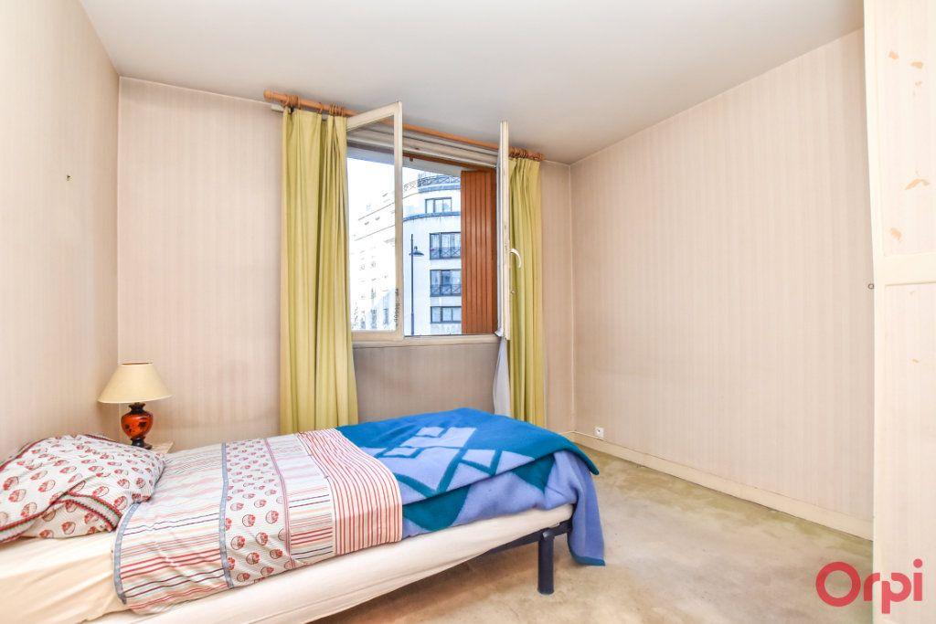 Appartement à vendre 4 79.25m2 à Paris 15 vignette-9
