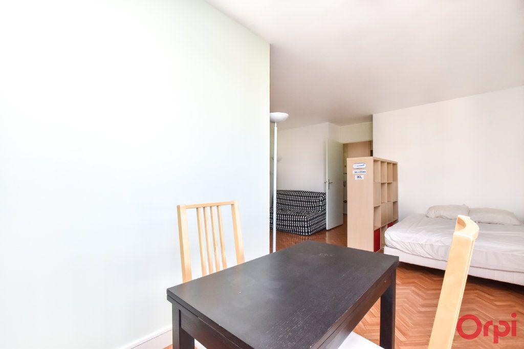 Appartement à louer 1 37.65m2 à Paris 15 vignette-5