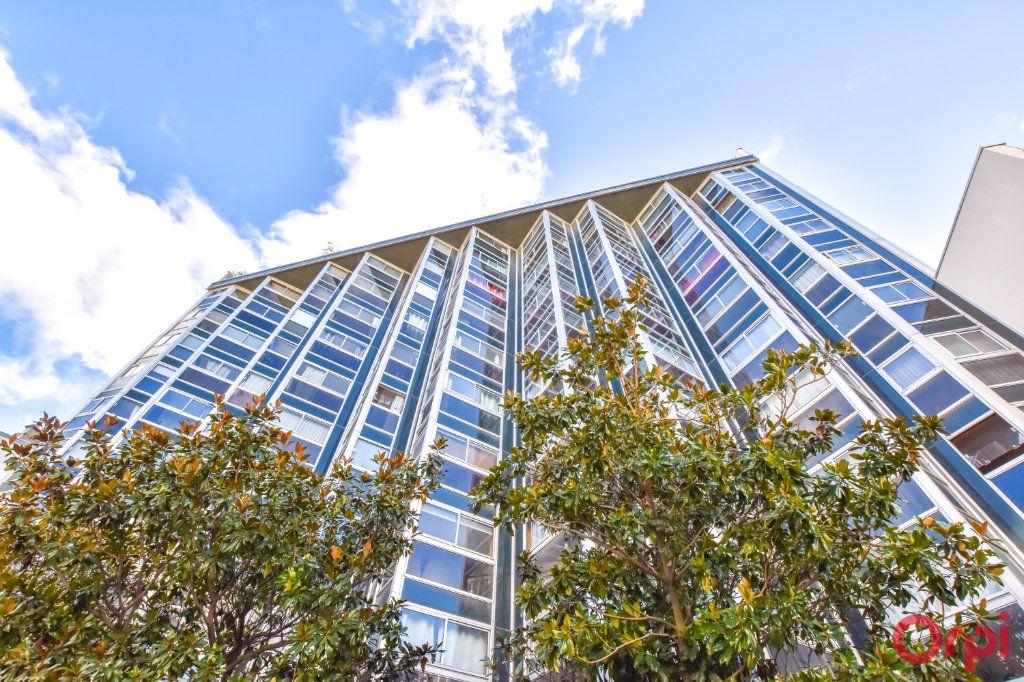 Appartement à louer 1 37.65m2 à Paris 15 vignette-12