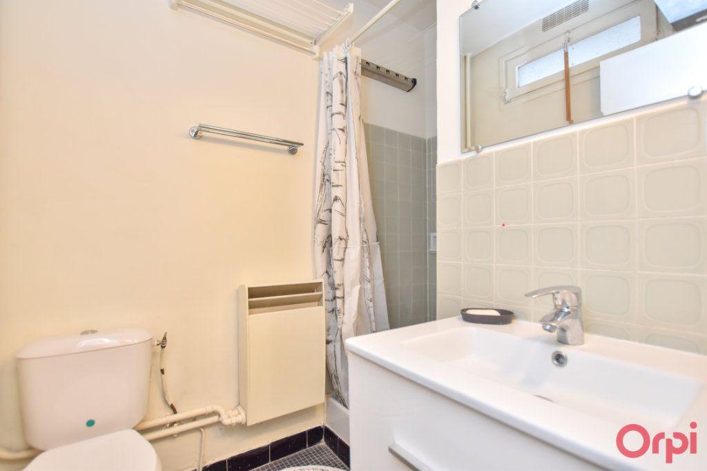 Appartement à louer 1 24.31m2 à Paris 15 vignette-3