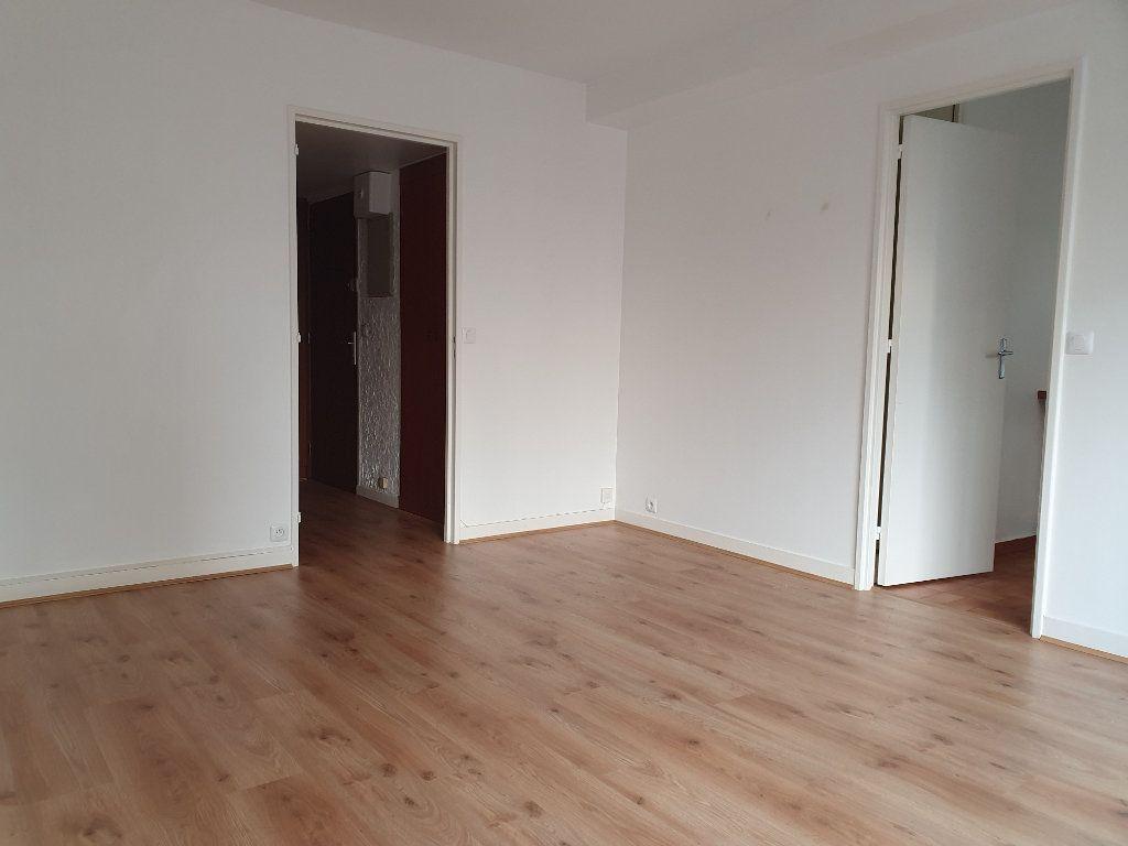Appartement à louer 1 30.61m2 à Paris 15 vignette-8