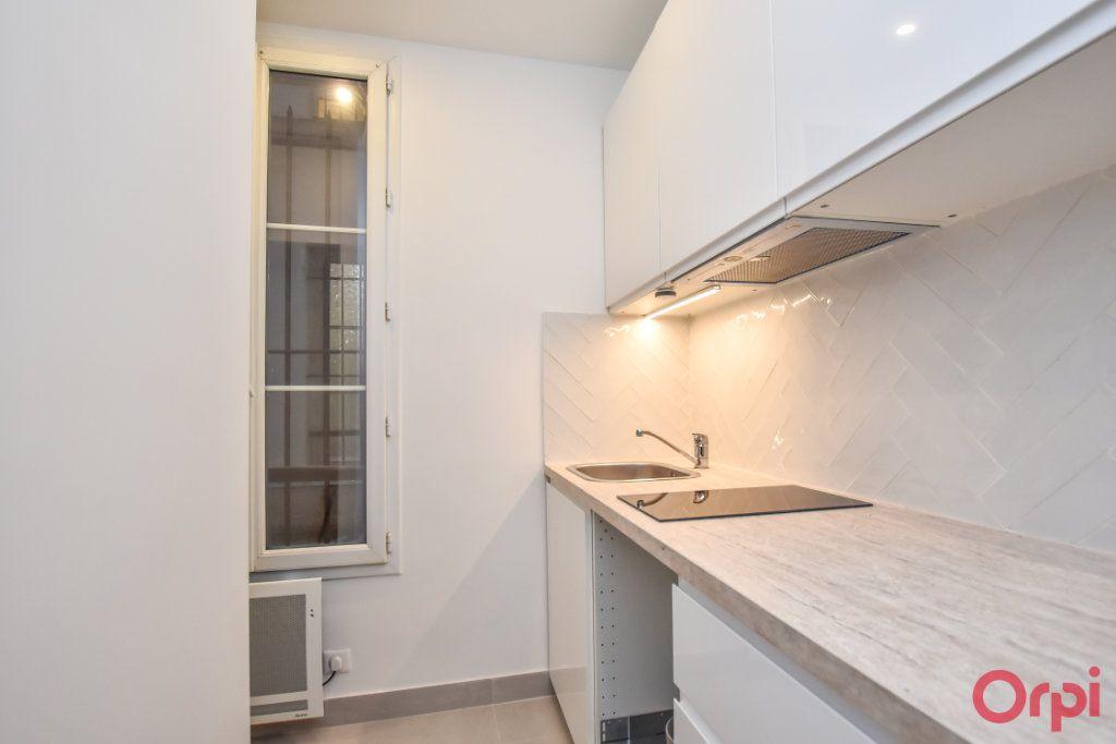 Appartement à louer 1 27m2 à Paris 15 vignette-3