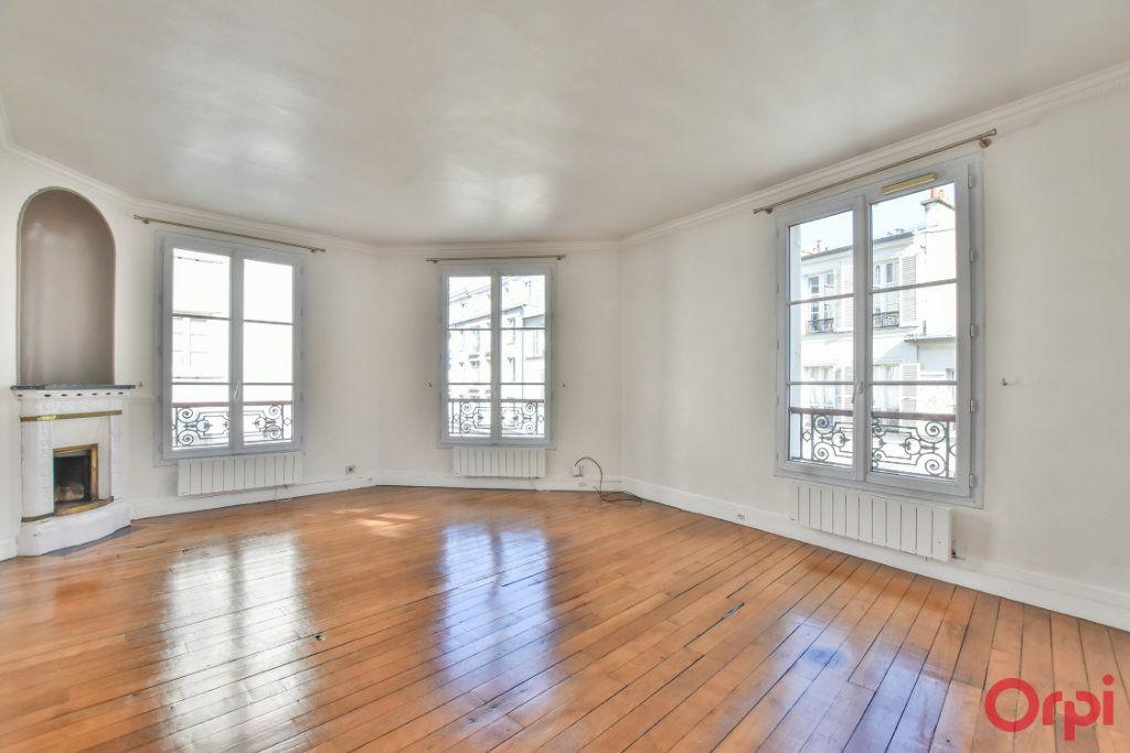Appartement à louer 3 68m2 à Paris 15 vignette-1