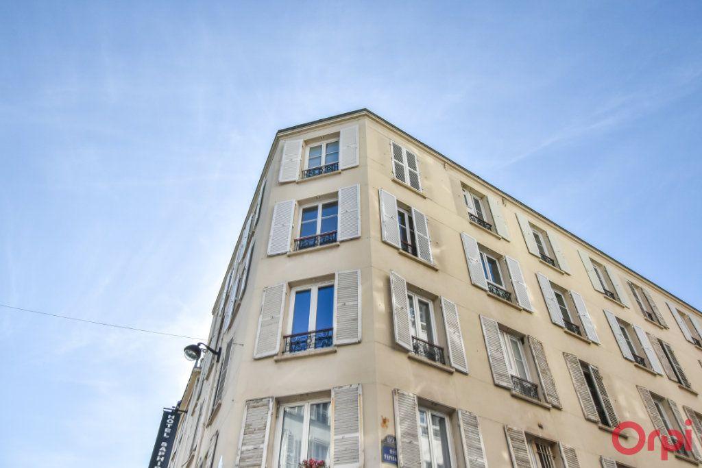 Appartement à louer 3 68m2 à Paris 15 vignette-2