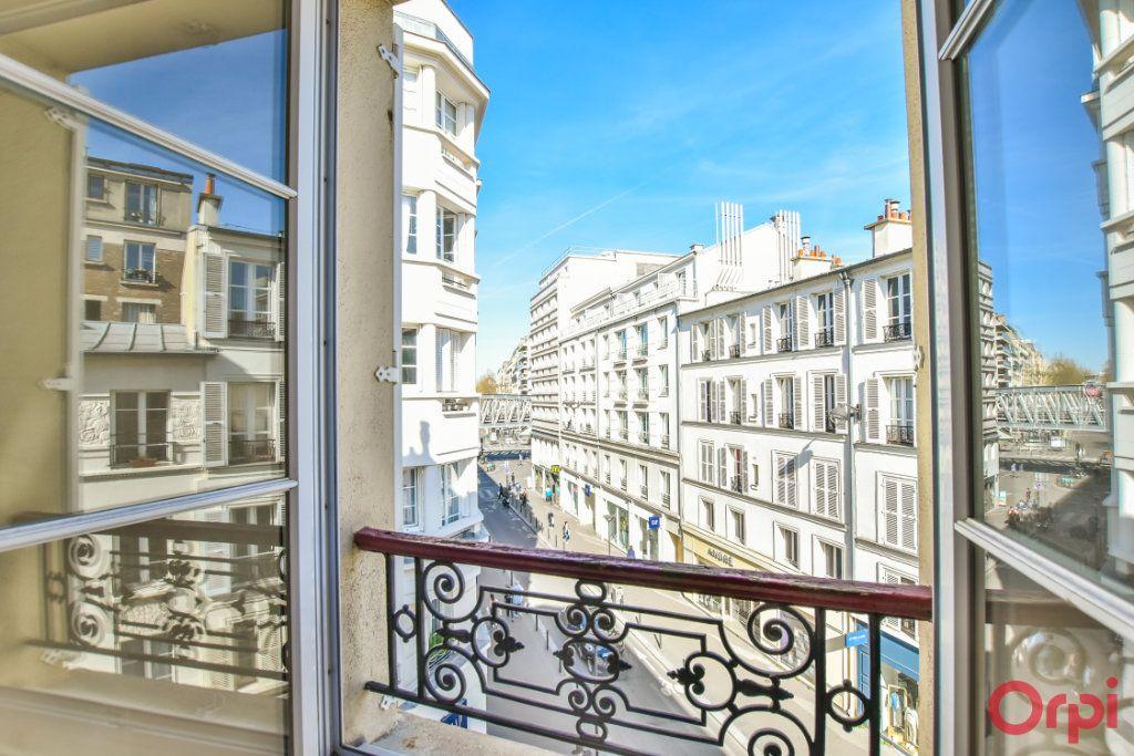 Appartement à louer 3 68m2 à Paris 15 vignette-5