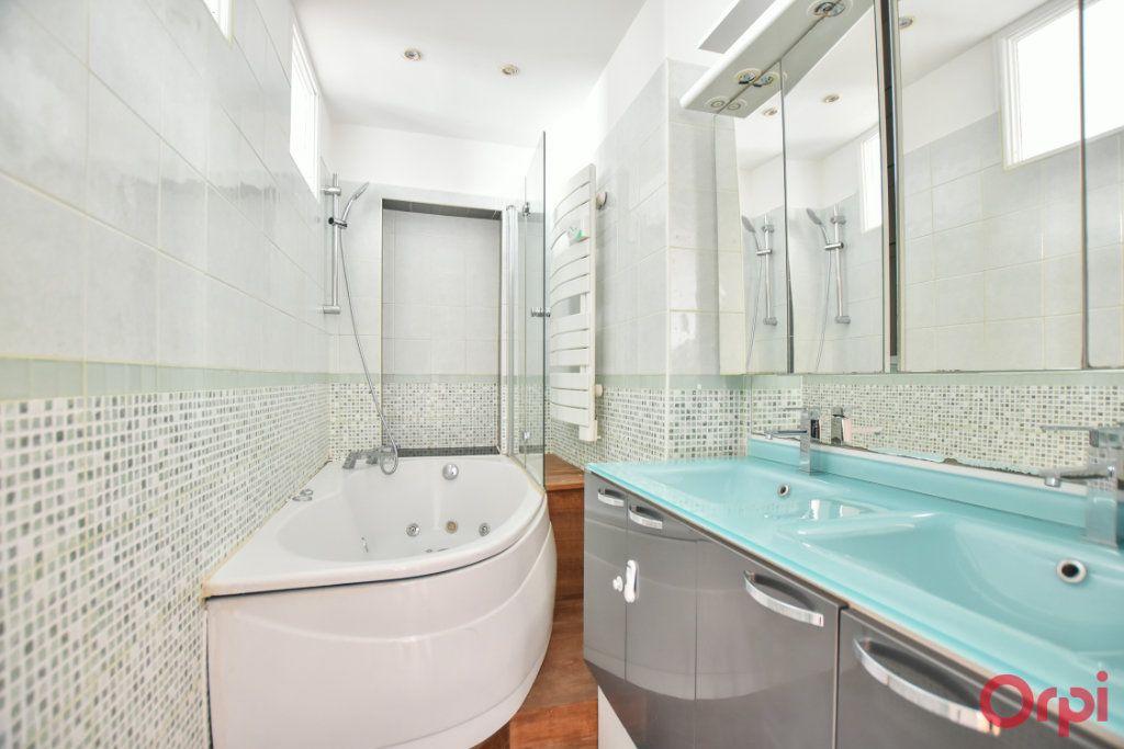 Appartement à louer 3 68m2 à Paris 15 vignette-6