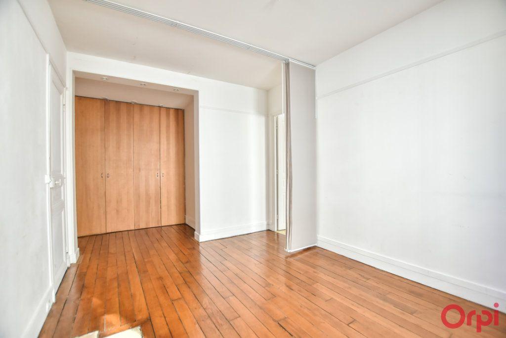 Appartement à louer 3 68m2 à Paris 15 vignette-7