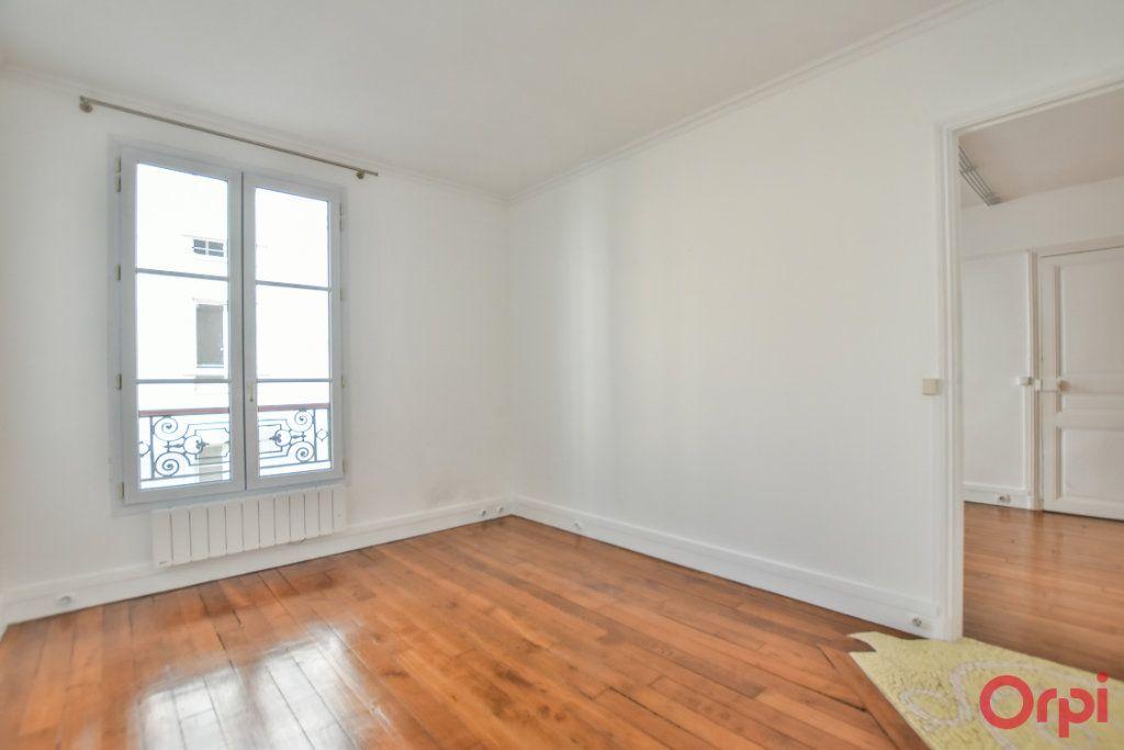 Appartement à louer 3 68m2 à Paris 15 vignette-9