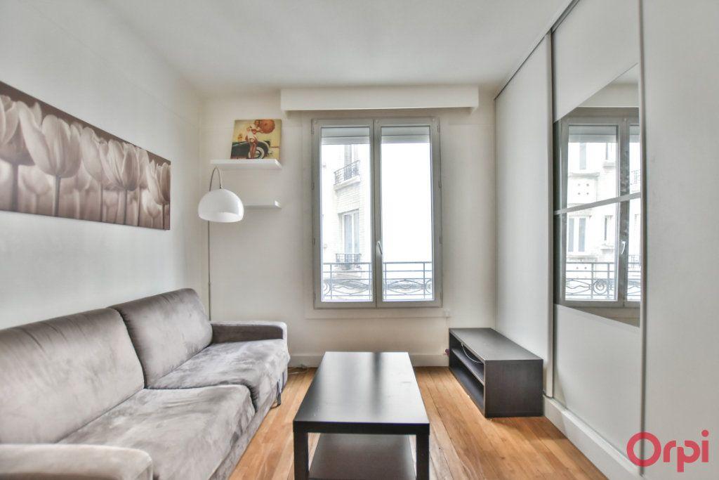 Appartement à louer 1 24m2 à Paris 17 vignette-2