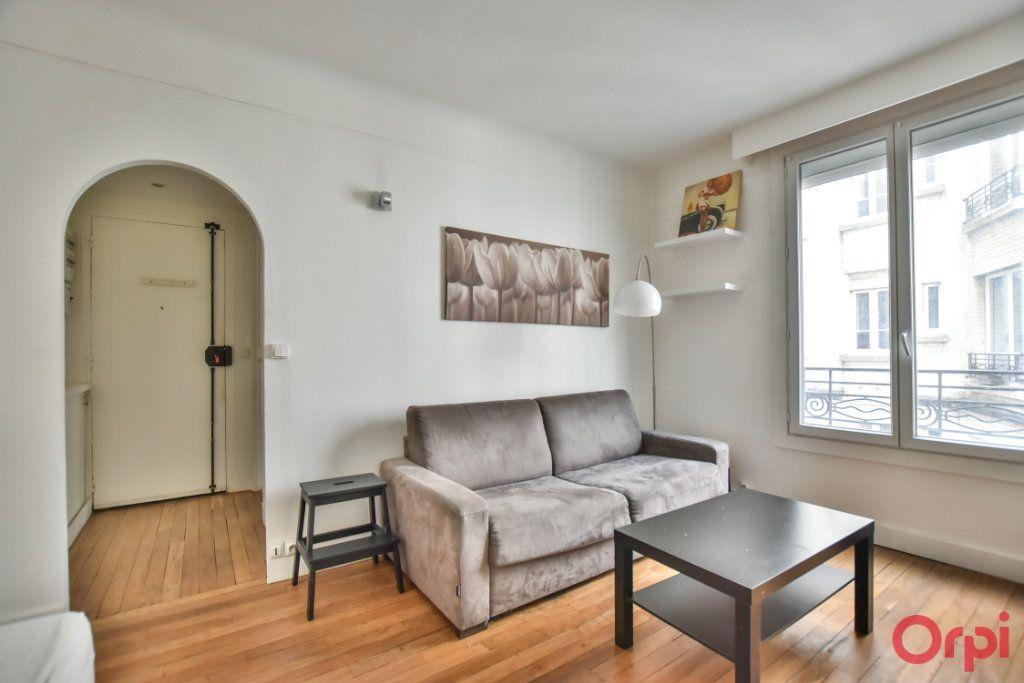 Appartement à louer 1 24m2 à Paris 17 vignette-4