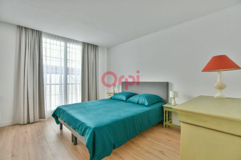 Appartement à vendre 3 67m2 à Paris 15 vignette-6
