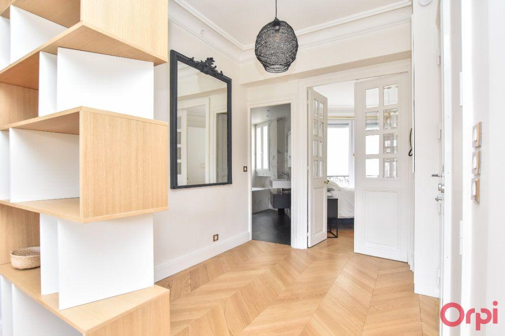 Appartement à louer 4 80m2 à Paris 8 vignette-4