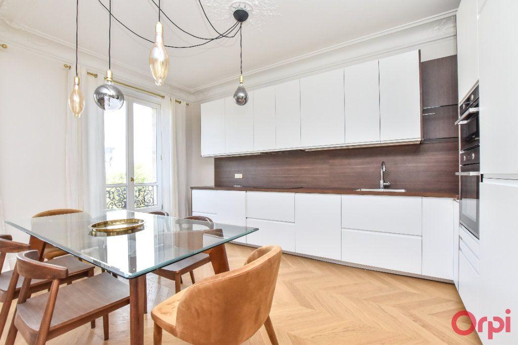 Appartement à louer 4 80m2 à Paris 8 vignette-5