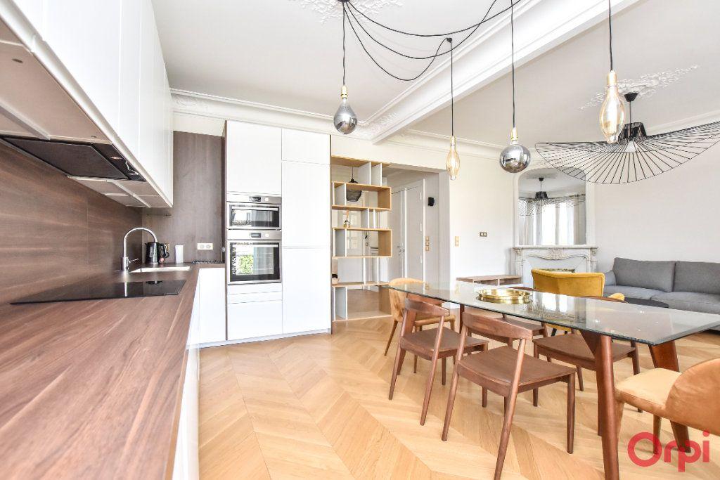 Appartement à louer 4 80m2 à Paris 8 vignette-8