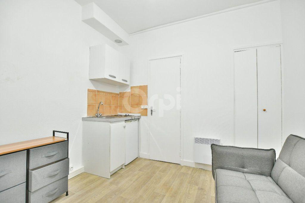 Appartement à louer 1 12m2 à Paris 15 vignette-2