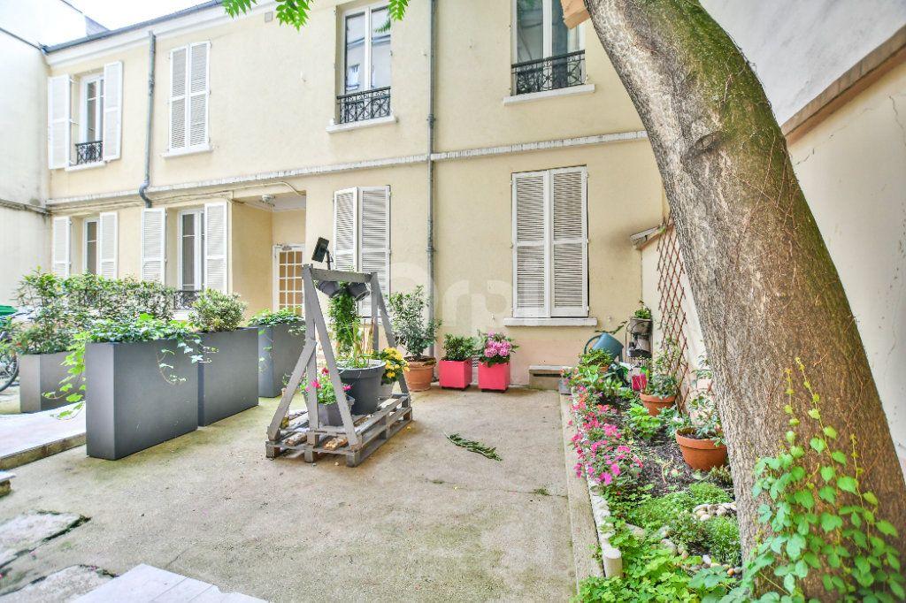 Appartement à louer 1 12m2 à Paris 15 vignette-4