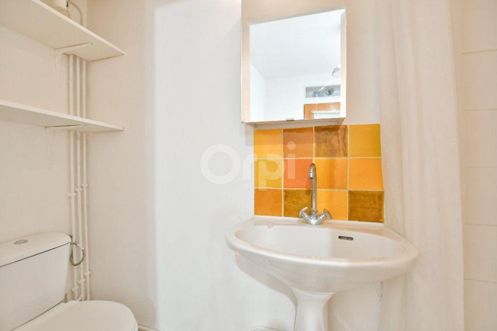 Appartement à louer 1 12m2 à Paris 15 vignette-5