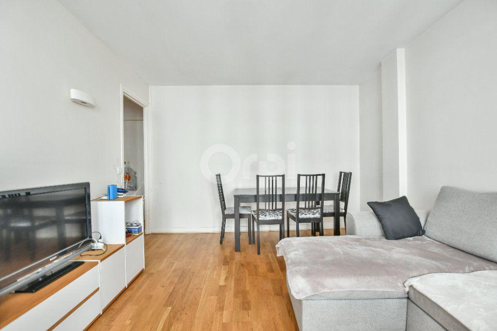 Appartement à louer 2 52m2 à Paris 15 vignette-6