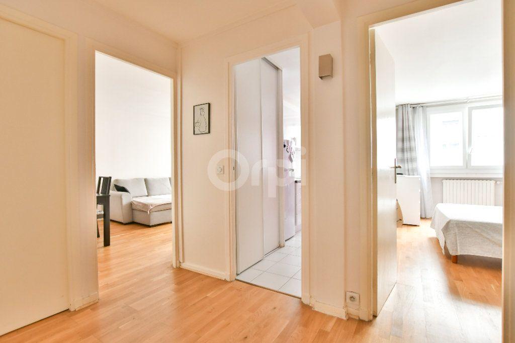 Appartement à louer 2 52m2 à Paris 15 vignette-10