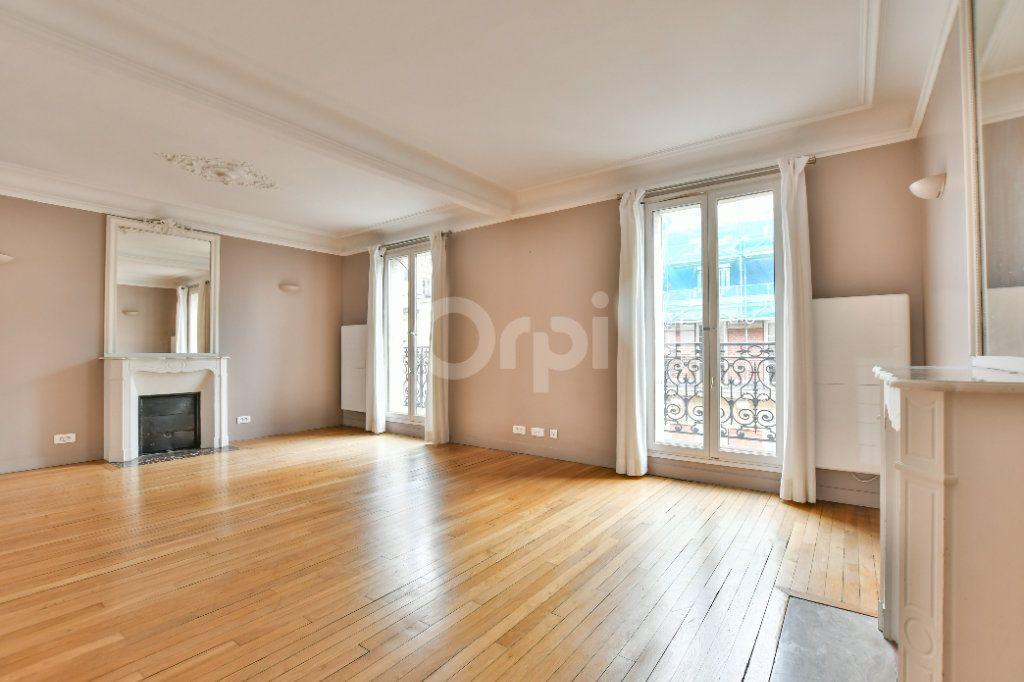 Appartement à louer 5 150m2 à Paris 15 vignette-2