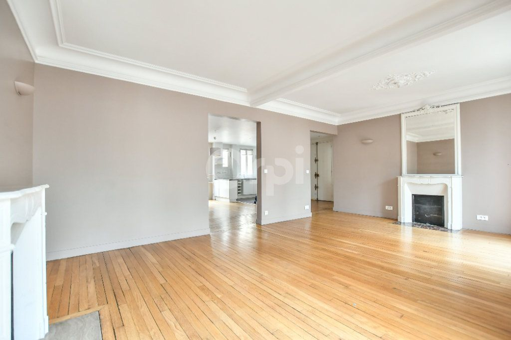 Appartement à louer 5 150m2 à Paris 15 vignette-11